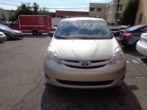 2008 Toyota Sienna for sale in Alexandria, VA