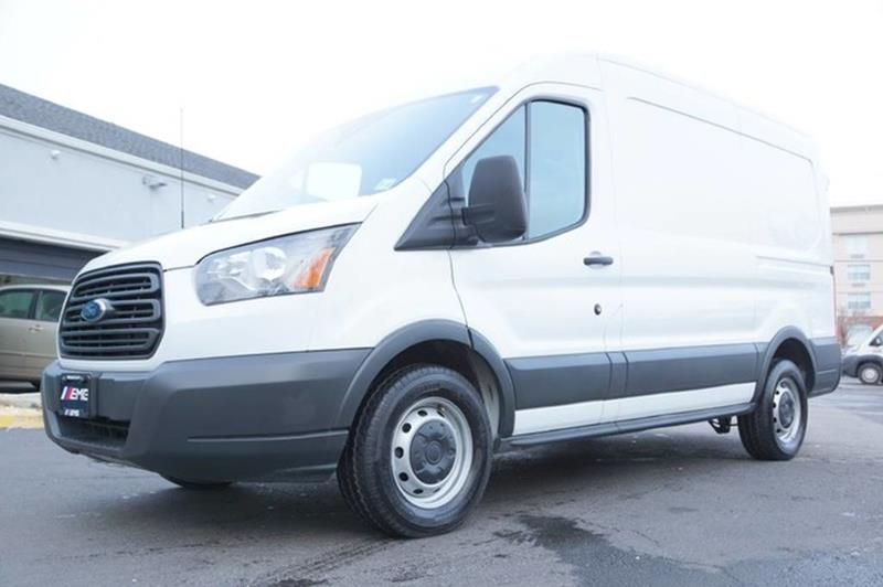 2017 Ford Transit Cargo 150 3dr SWB Medium Roof Cargo Van w/Sliding Passen