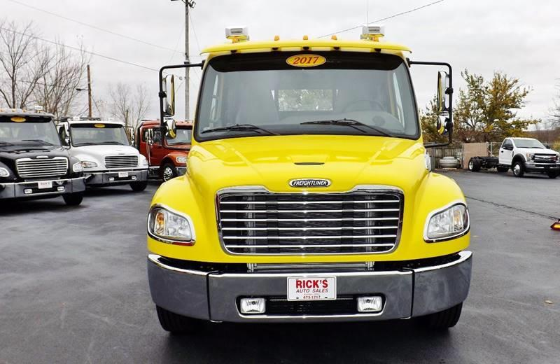 2017 Freightliner M2 Extended Cab Rollback Reduced $2,000!! - Kenton OH