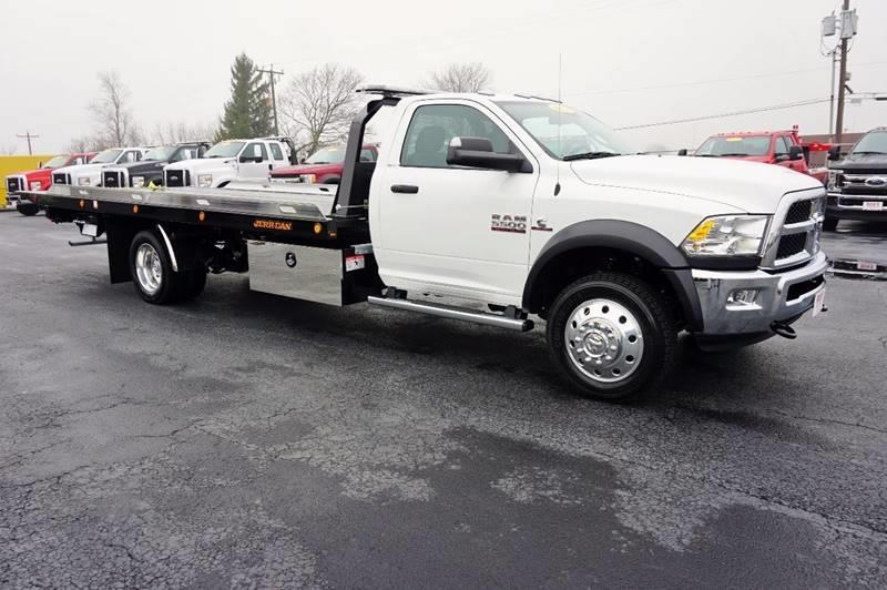 2017 Dodge Ram 5500 4x4 Rollback Wrecker Flatbed - Kenton OH