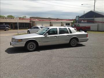 1995 Lincoln Town Car for sale at GIB'S AUTO SALES in Tahlequah OK