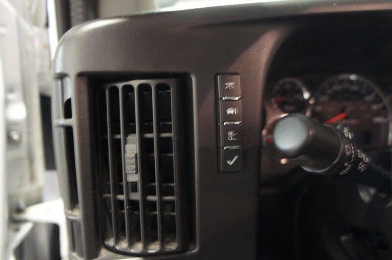 2016 GMC Savana Cutaway 3500 (image 19)