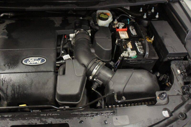 2015 Ford Explorer Limited (image 9)