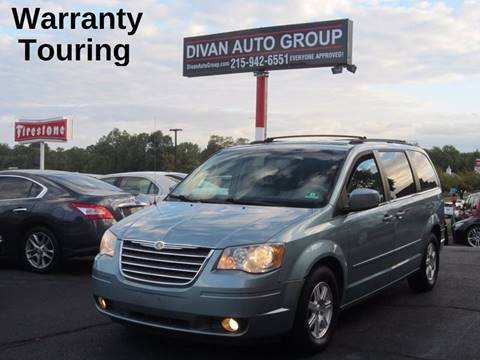 2008 Chrysler Town and Country for sale at Divan Auto Group in Feasterville PA