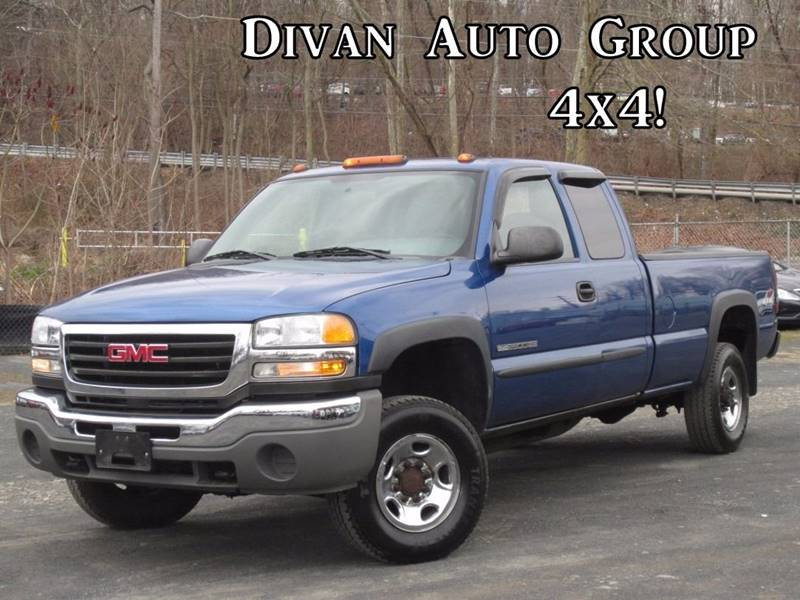 2004 GMC Sierra 2500HD for sale at Divan Auto Group in Feasterville PA