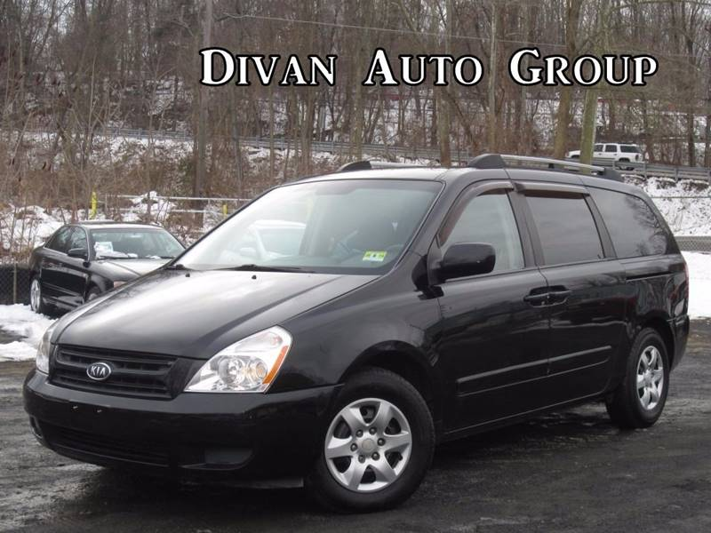 2007 Kia Sedona for sale at Divan Auto Group in Feasterville PA