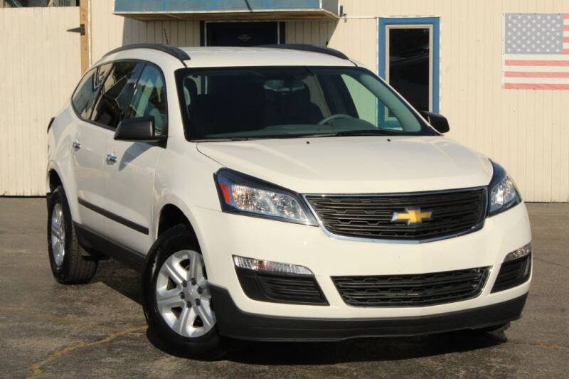 2014 Chevrolet Traverse for sale at Dynamics Auto Sale in Highland IN