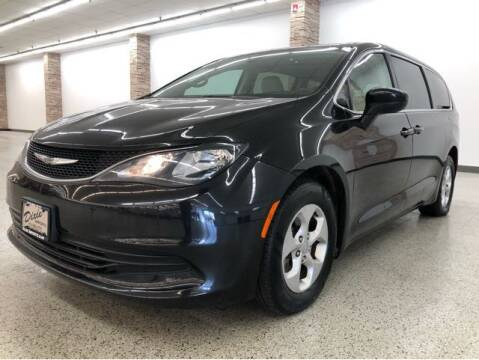 2017 Chrysler Pacifica for sale at Dixie Motors in Fairfield OH