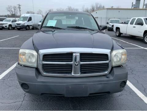 2006 Dodge Dakota for sale at Dixie Motors in Fairfield OH