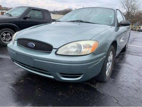 2005 Ford Taurus for sale at Dixie Motors in Fairfield OH