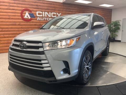 2019 Toyota Highlander for sale at Dixie Motors in Fairfield OH