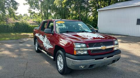 2004 Chevrolet Avalanche for sale at Superior Motors in Mount Morris MI