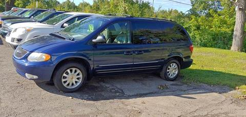 2002 Chrysler Town and Country for sale in Mount Morris, MI