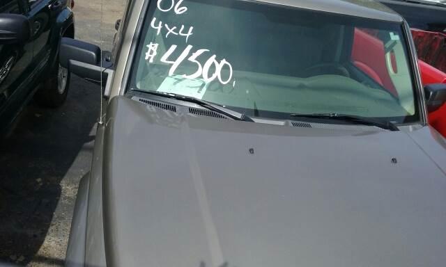 2006 Jeep Commander for sale at Superior Motors in Mount Morris MI