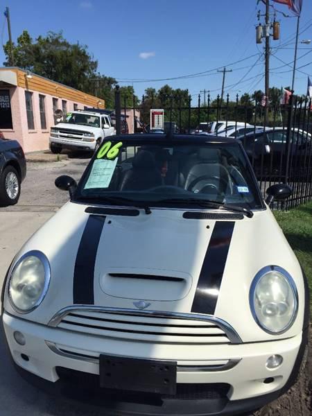 2006 MINI Cooper for sale at Yari Auto Sales in Houston TX