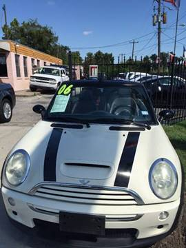 2006 MINI Cooper for sale at Yari Auto Sales in Houston TX