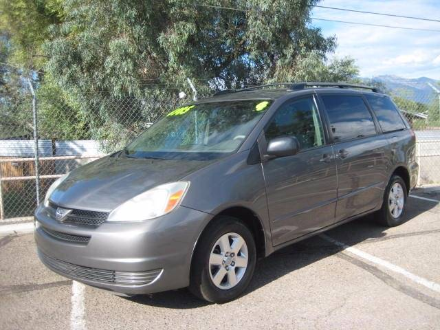 2004 TOYOTA SIENNA LE gray abs - 4-wheel captain chairs - 4 cassette clock exterior entry lig