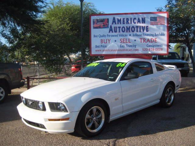 2006 FORD MUSTANG GT PREMIUM white the front windshield is in excellent condition  the paint is