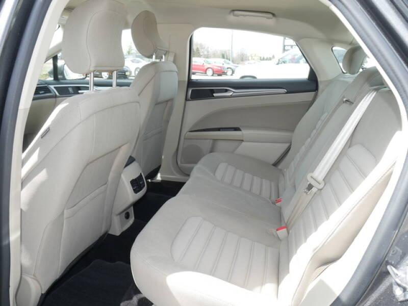 2017 Ford Fusion SE 4dr Sedan - Montevideo MN