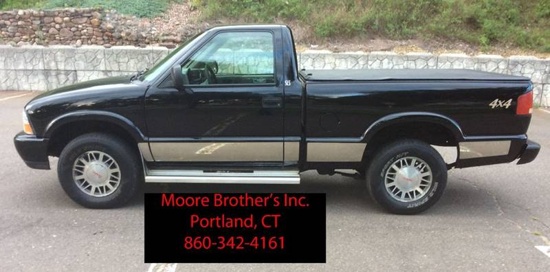 2000 GMC Sonoma for sale at Moore Brothers Inc in Portland CT