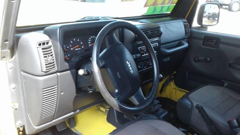 2004 Jeep Wrangler SE 4WD 2dr SUV - Massillon OH