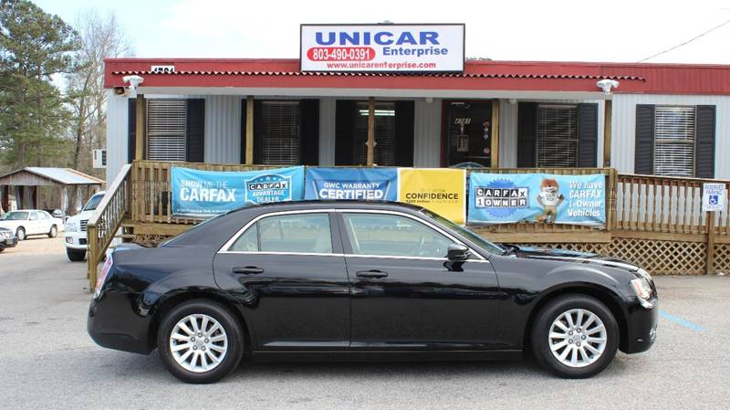2013 CHRYSLER 300 BASE 4DR SEDAN black very sharp 2013 black chrysler 300 with beige leather inte