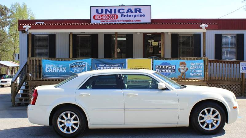 2008 CHRYSLER 300 TOURING 4DR SEDAN white this is a must see 2008 white chrysler 300 touring edit