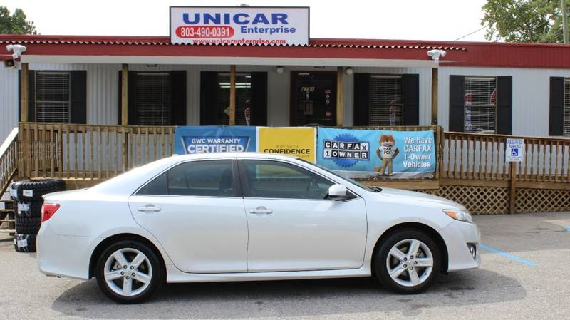 2012 TOYOTA CAMRY SE silver looking for a nice clean economy car then this sliver 2012 toyota c