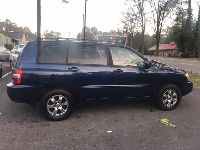 2005 Toyota Highlander for sale at Edge Auto Sale Inc. in Sanford NC