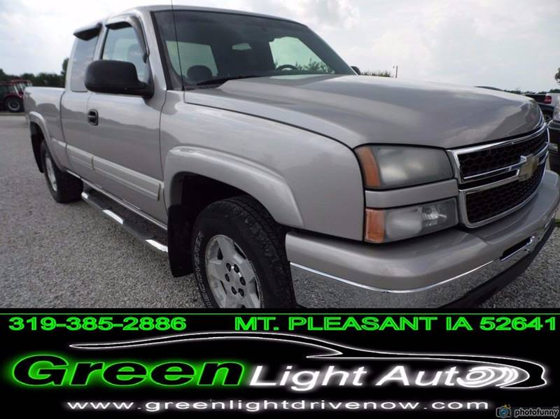 2006 Chevrolet Silverado 1500 LT2 4dr Extended Cab 4WD 6.5 ft. SB - Mount Pleasant IA