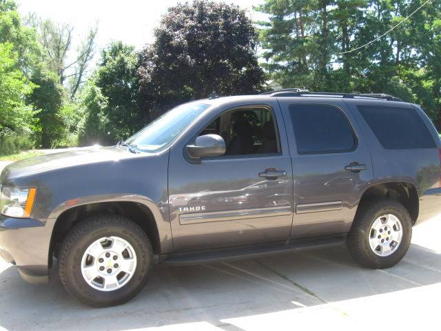 2011 Chevrolet Tahoe for sale at Carriage Motors LTD in Ingleside IL