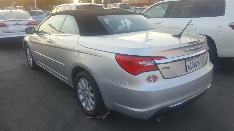 2011 Chrysler 200 Convertible Touring 2dr Convertible - Fresno CA