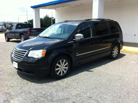 2009 Chrysler Town and Country for sale in Hampton, VA