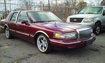 1996 Lincoln Town Car for sale in Highland Park, MI