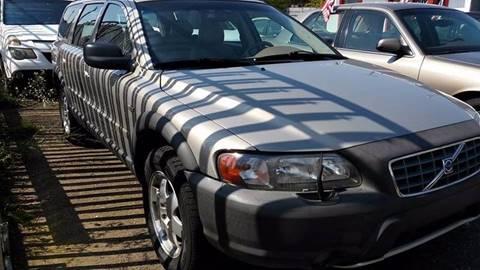 2001 Volvo V70 for sale in Highland Park, MI