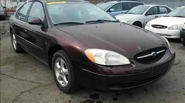 2000 Ford Taurus for sale in Highland Park, MI