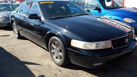 2003 Cadillac Seville for sale in Highland Park, MI