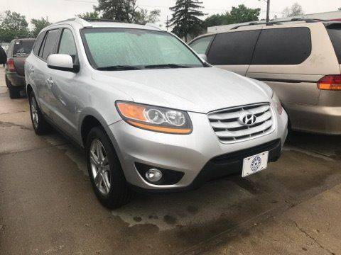 2011 Hyundai Santa Fe for sale at Averys Auto Group in Lapeer MI