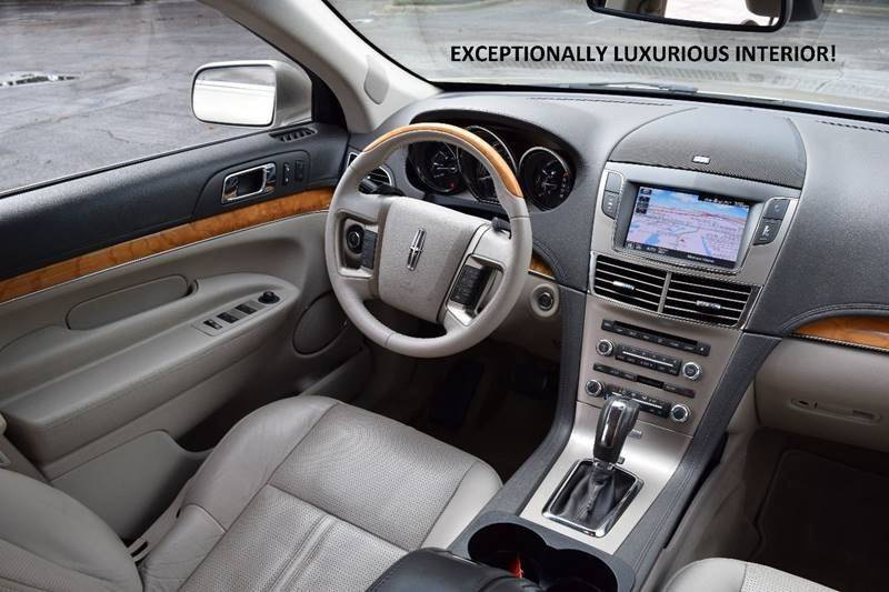 2011 Lincoln MKT for sale at Averys Auto Group in Lapeer MI