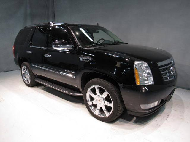 2011 Cadillac Escalade for sale at Averys Auto Group in Lapeer MI