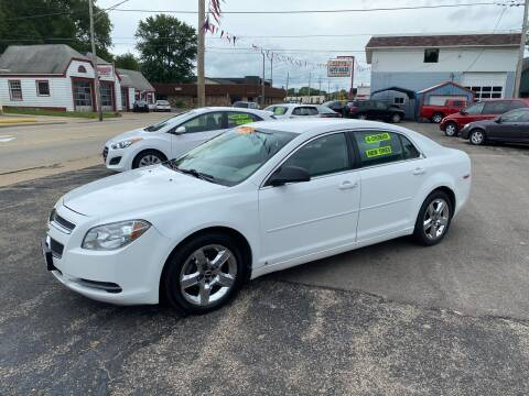 2009 Chevrolet Malibu for sale at PEKIN DOWNTOWN AUTO SALES in Pekin IL