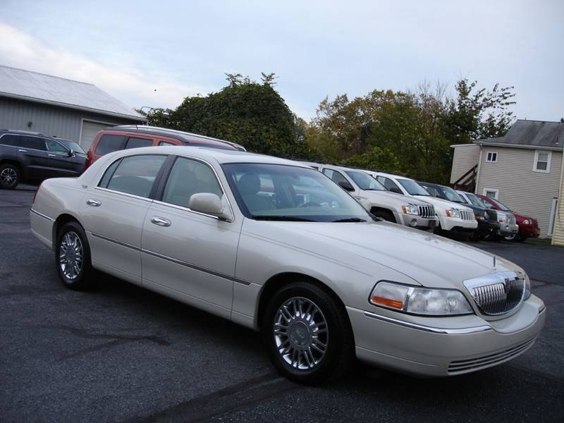 2007 Lincoln Town Car Signature Limited 4dr Sedan In New Cumberland