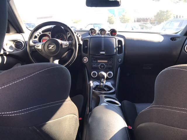 2011 Nissan 370Z 2dr Coupe 6M - Pleasanton CA