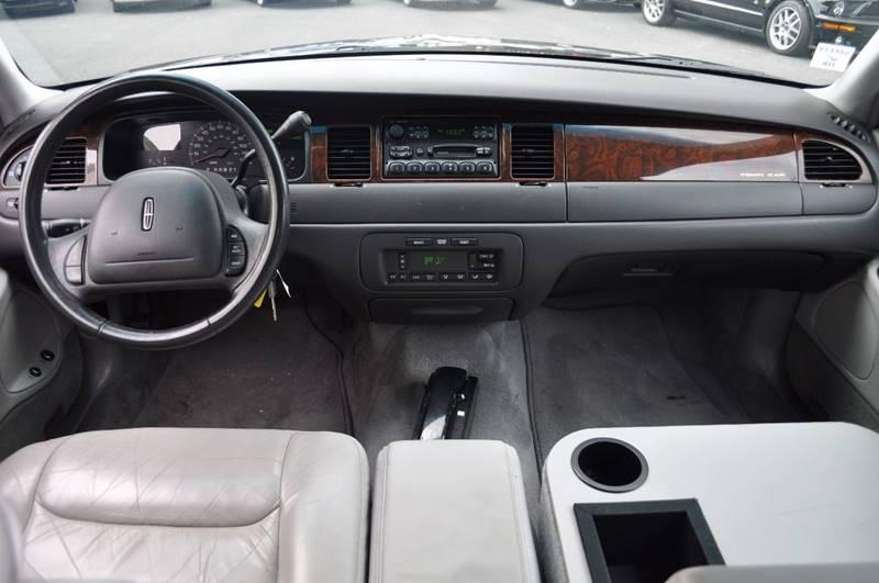 2000 Lincoln Town Car Signature 4dr Sedan - Pleasanton CA