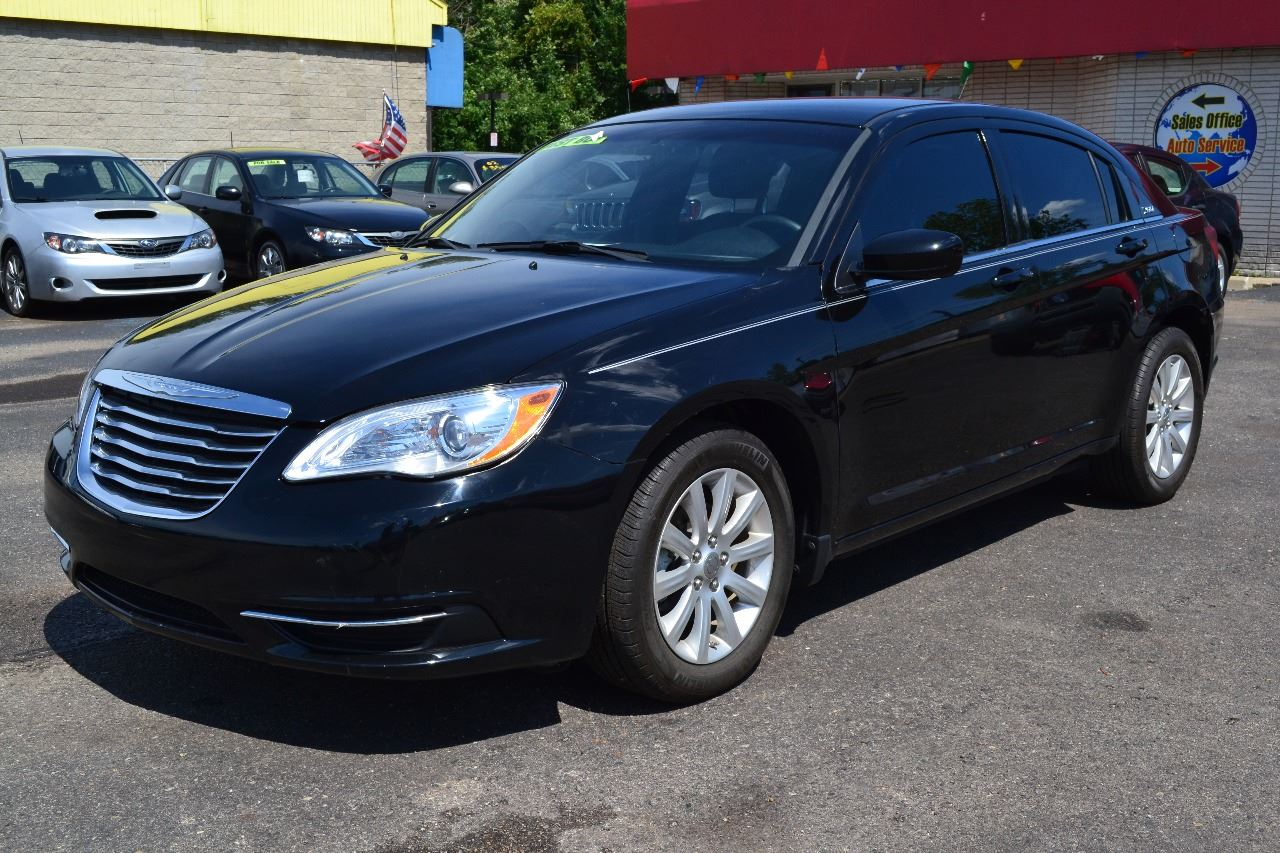 2012 chrysler 200 limited 4dr sedan in clinton township mi. Black Bedroom Furniture Sets. Home Design Ideas