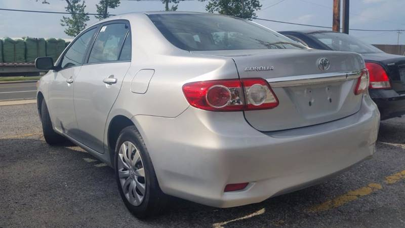 2013 Toyota Corolla for sale at AUTORAMA SALES INC. in Wantagh NY