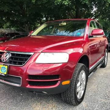 2004 Volkswagen Touareg for sale at AUTORAMA SALES INC. in Wantagh NY
