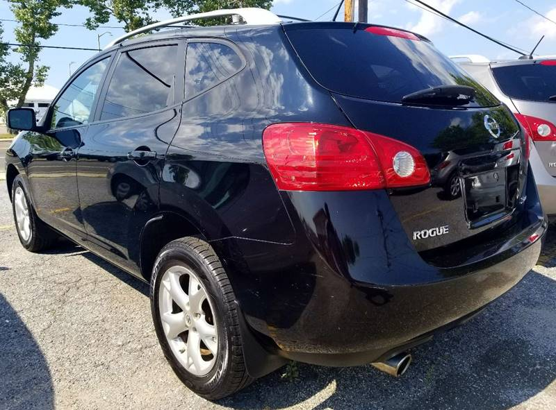 2008 Nissan Rogue for sale at AUTORAMA SALES INC. - Farmingdale in Farmingdale NY
