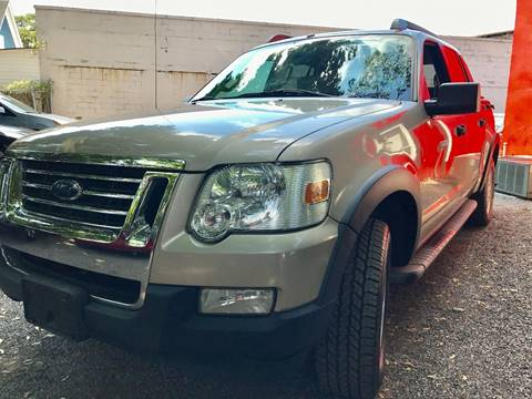 2007 Ford Explorer Sport Trac for sale at AUTORAMA SALES INC. in Wantagh NY