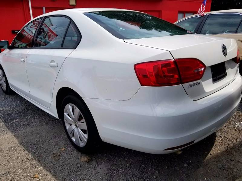 2012 Volkswagen Jetta for sale at AUTORAMA SALES INC. - Farmingdale in Farmingdale NY